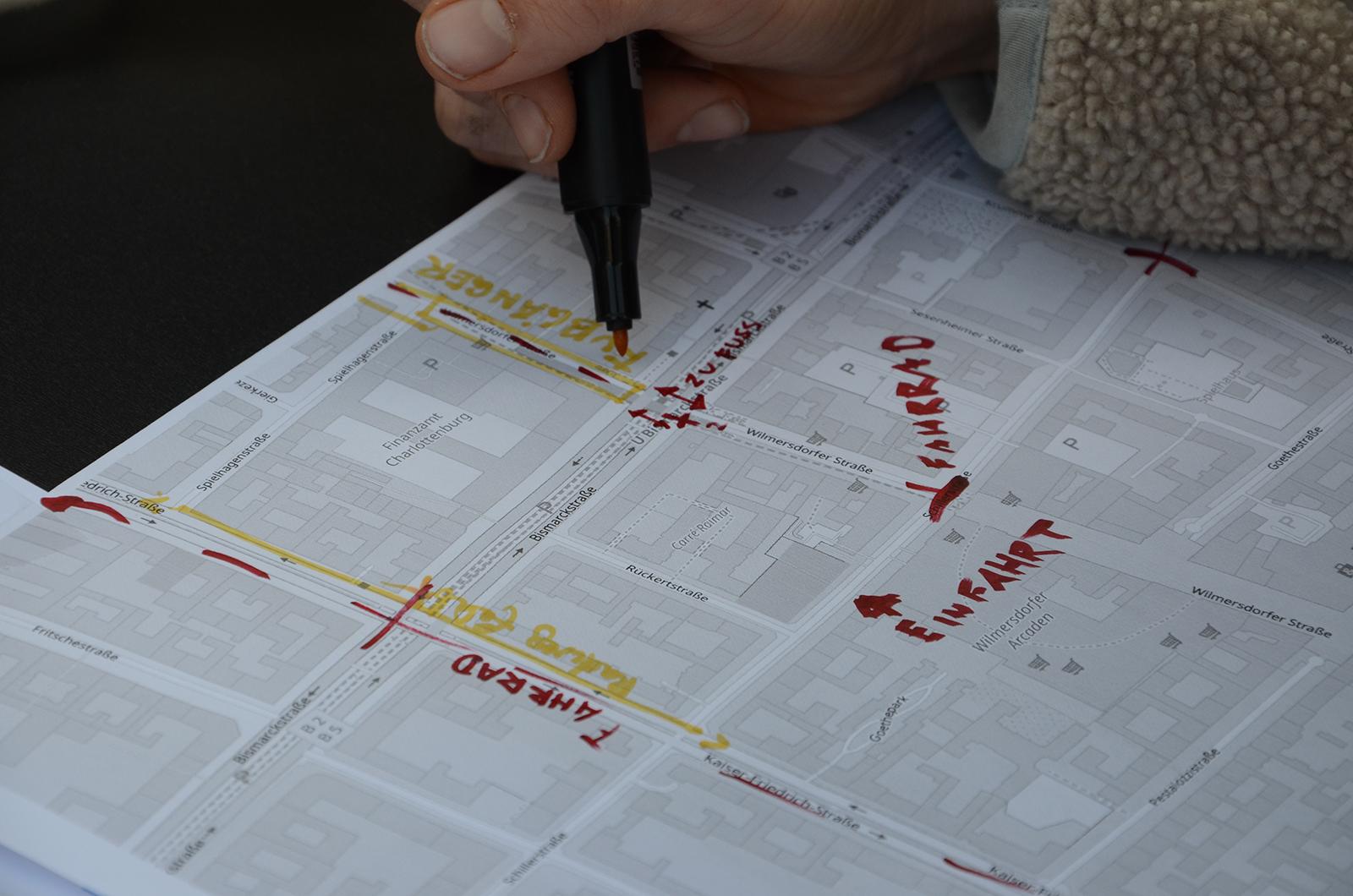 Auf einer Karte werden Anmerkungen der Bürger:innen verortet.